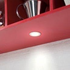 LED-Leuchte LD8001AL-58 Spot eingebaut in Küchenoberschrank erleuchtet Arbeitsfläche
