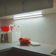 LED-Leuchte LD8003A-SMD angebaut unter Küchenoberschrank erleuchtet Arbeitsfläche