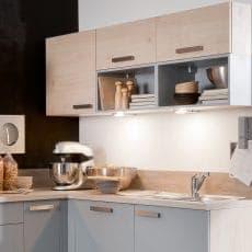 LED-Leuchte LD8042 angebaut unter Küchenoberschrank erleuchtet Arbeitsfläche